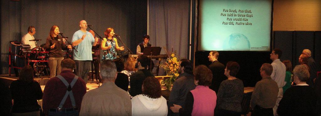 Photo of praise band singing